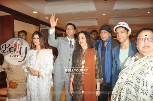 Twinkle Khanna, Akshay Kumar, Mithun Chakraborty at Unveiling of the Statue of Rajesh Khanna