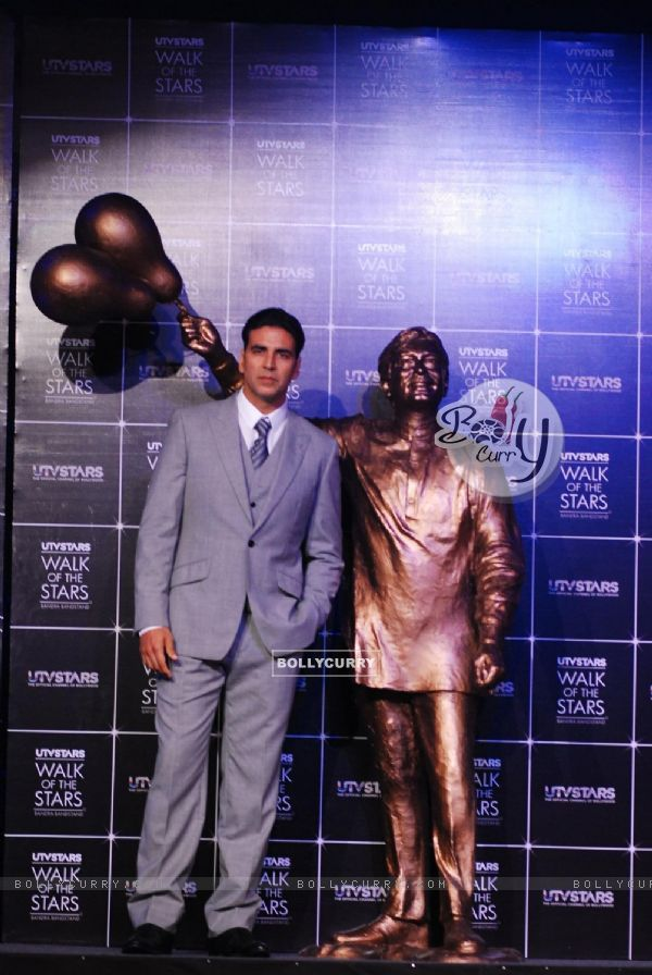 Akshay Kumar at the Unveiling of the Statue of Rajesh Khanna