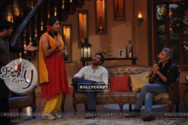 Ajay Devgn and Prakash Jha at Satyagraha's  Promotion on Comedy Nights with Kapil (292081)