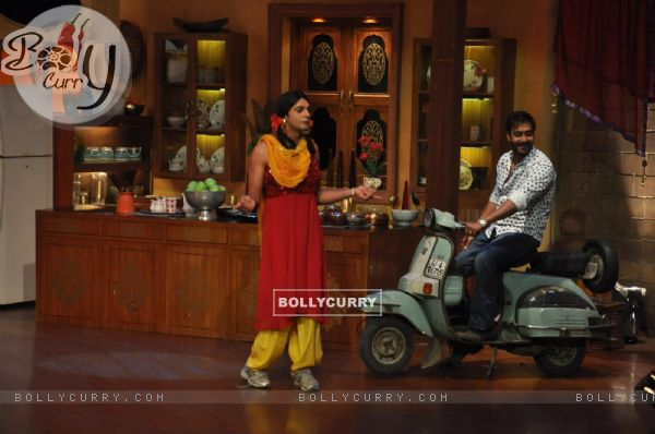Ajay Devgn at Satyagraha's  Promotion on Comedy Nights with Kapil (292082)