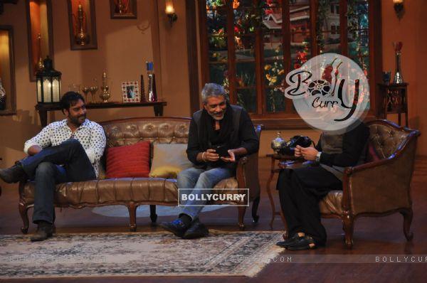 Ajay Devgn and Prakash Jha at Satyagraha's  Promotion on Comedy Nights with Kapil (292085)