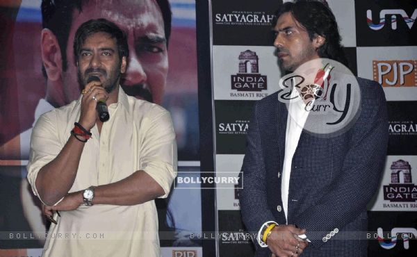 Ajay Devgan and Arjun Rampal at Satyagraha movie promotion (293250)