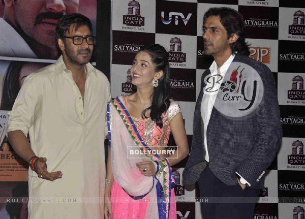Ajay Devgn, Amrita Rao and Arjun Rampal at Satyagraha movie team during the promotion