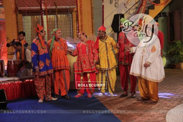 Dilip Joshi, Sailesh Lodha, Mandar, Tanuj celebrating Janamastmi in Taarak Mehta Ka Ooltah Chashmah