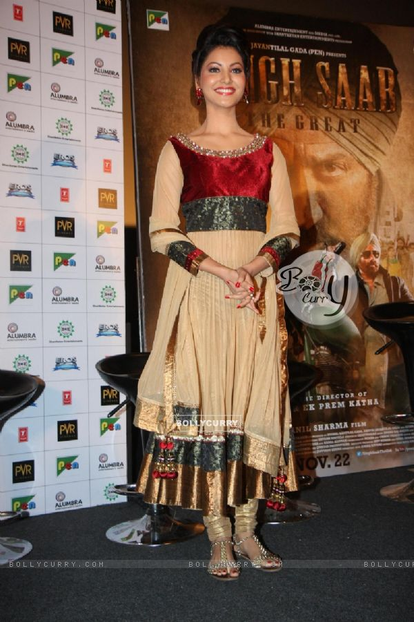 Uravashi Rautela looked preety at the First look of  Singh Saab The Great