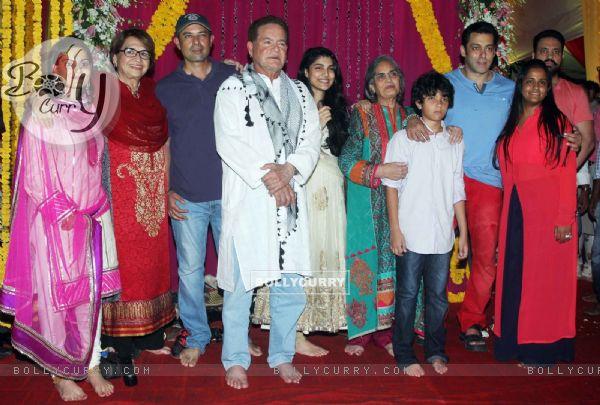 Salman Khan with his family during Ganpati Visarjan