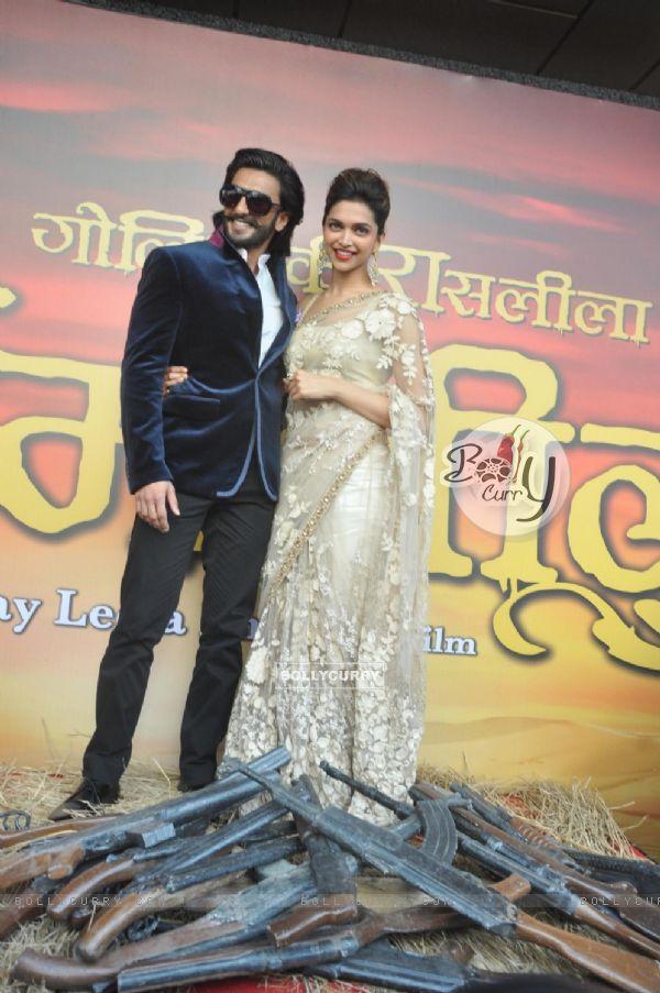 Ranveer Singh and Deepika Padukone were at the trailer Launch of Ram Leela (296051)