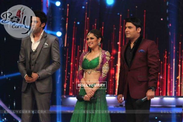 Drashti Dhami, Manish Paul and Kapil Sharma