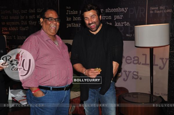 Satish Shah and Sunny Deol at the Special Screening of film Singh Saab The Great (304248)