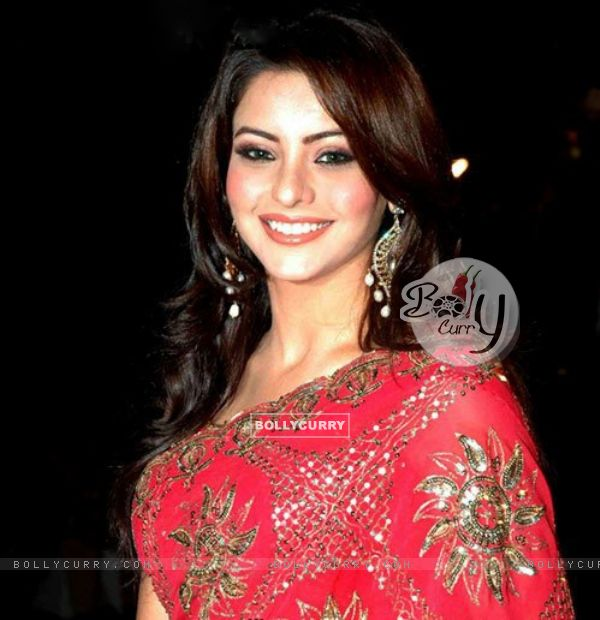 Aamna Sharif - Gallery Colection