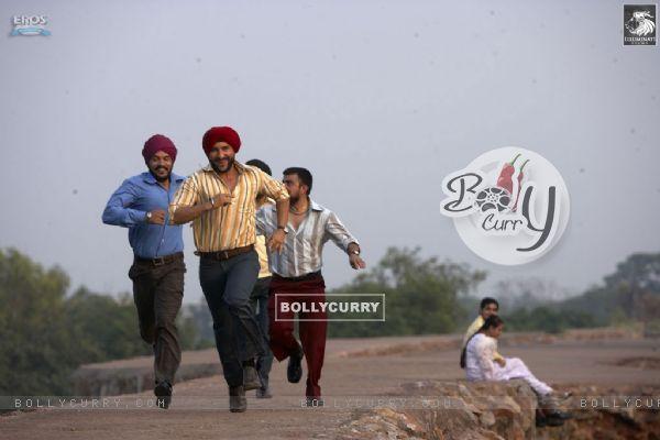 Saif Ali Khan running with his friends
