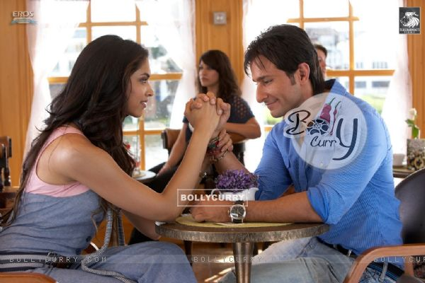 Saif and Deepika talking to each other