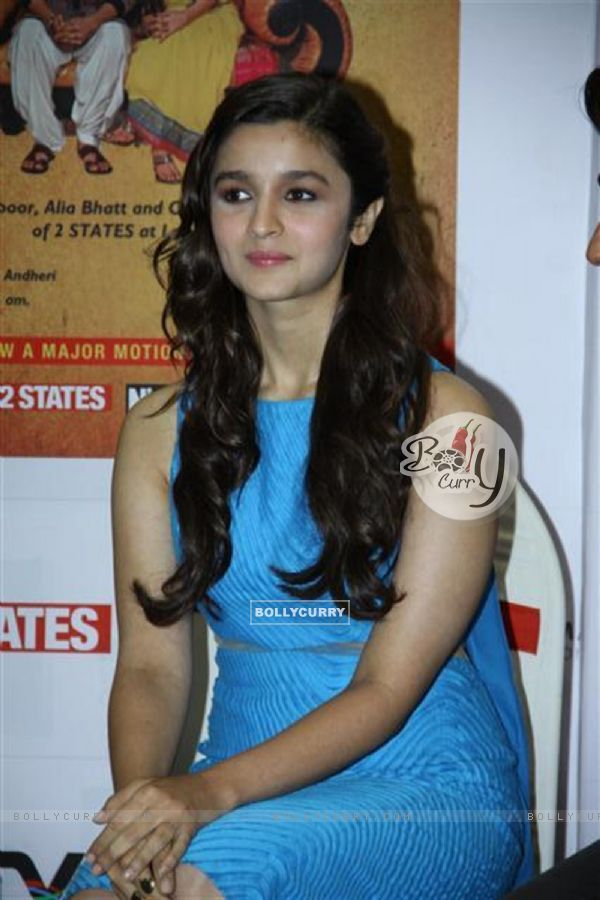 Alia Bhatt at the New Cover launch of the book '2states' (316683)