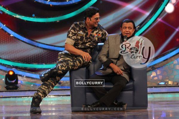 Akshay Kumar Promotes Holiday on DID Lil Masters Season 3