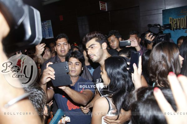 Celebs get a selfie with Arjun Kapoor at a movie theatre