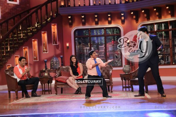 Arjun Kapoor performs on Comedy Nights With Kapil (317899)