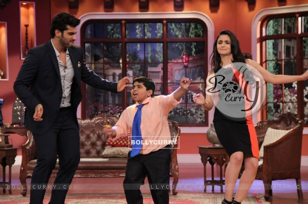 Alia Bhatt and Arjun Kapoor perform on Comedy Nights With Kapil