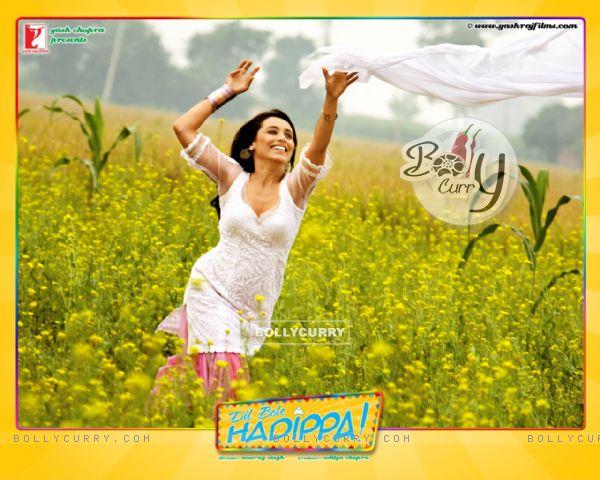 http://img.bollycurry.com/images/600x0/31946-rani-mukherjee-wallpaper-from-the-movie-dil-bole-hadippa.jpg