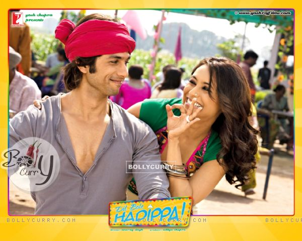 Dil Bole Hadippa movie wallpaper with Shahid and Rani