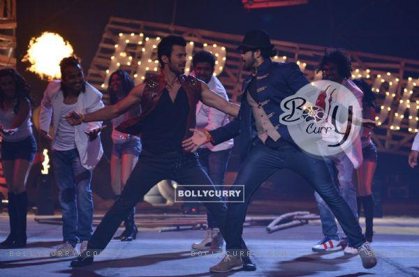 Rajineesh Duggal performs with Sreesanth on Khatron Ke Khiladi Grand Finale