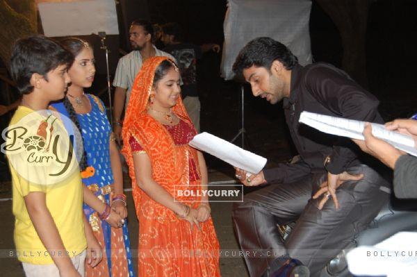 Anandi Jagdish And Sugna With Abhishek Bachchan In Balika Vadhu