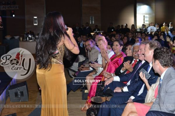 Sona Mohapatra was seen interacting with the audience at Etihad Jet Collaboration Event