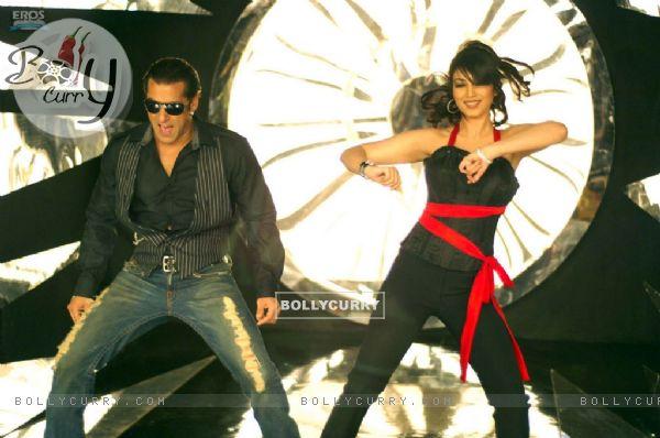 Salman and Ayesha in black