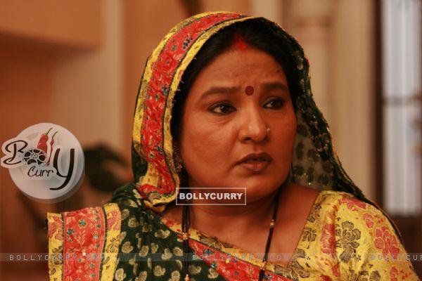 Kaushalya ji looking tensed
