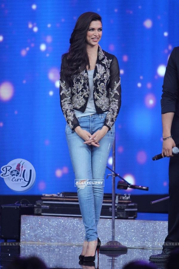 Deepika Padukone at the Promotions of Finding Fanny on India's Raw Star