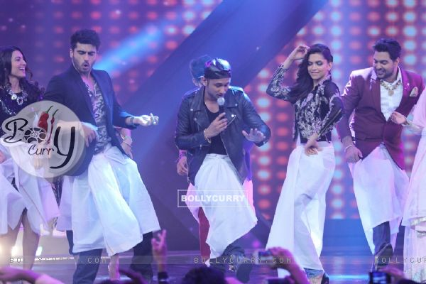 Every one does the lungi dance at the Promotions of Finding Fanny on India's Raw Star