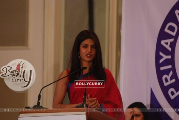 Priyanka Chopra adressing the audience at Priyadarshini Academy Global Awards 2014