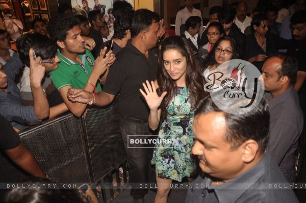 Shraddha Kapoor waves to the fans at Haider Song Launch
