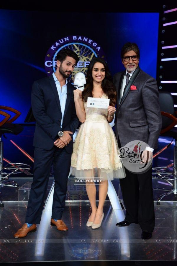Promotions of Haider on Kaun Banega Crorepati Season 8