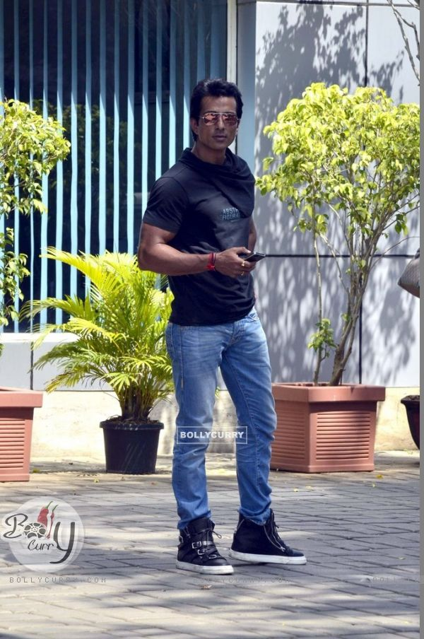 Sonu Sood poses for the media at Airport while leaving for Ahmedabad