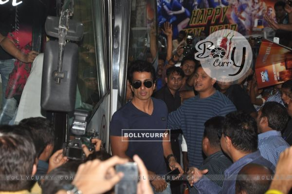 Sonu Sood arrives at a Theatre to Meet Fans (342528)