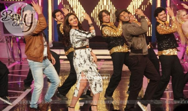 Kill Dil Team performs on Bigg Boss 8