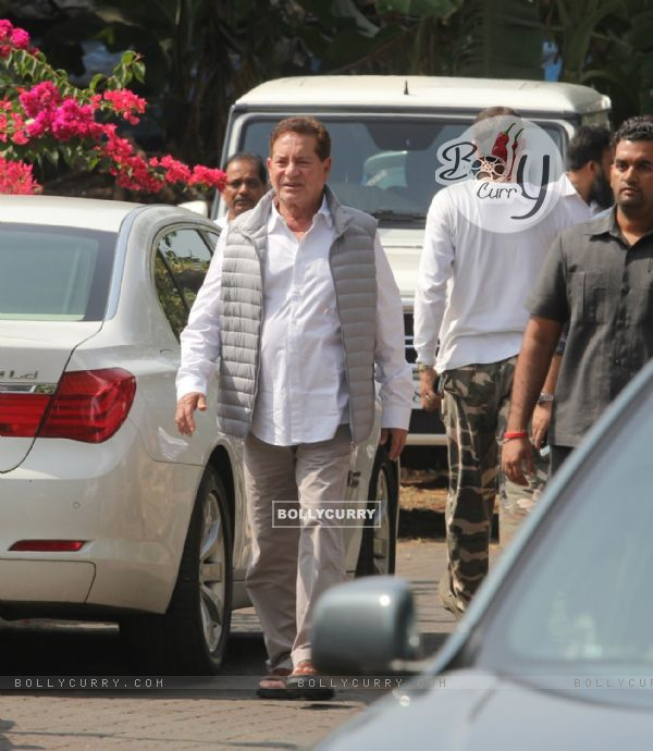 Salim Khan attended the Last Rites for Ravi Chopra