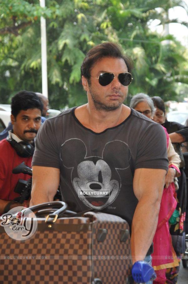 Sohail Khan Leaves for Hyderabad