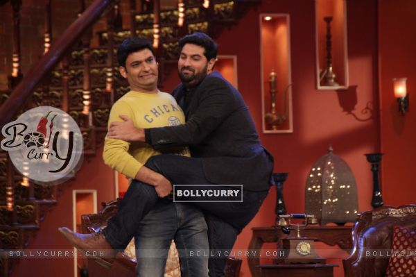 Kunal Roy Kapoor in a gig with Kapil Sharma on Comedy Nights with Kapil