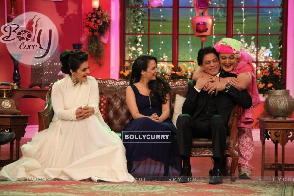Dadi gives Shah Rukh Khan a hug during the Celebration of DDLJ's 1000th week Completion