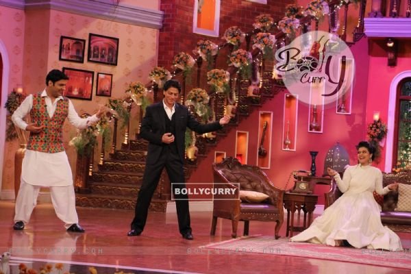 Raj aka Shah Rukh Khan train Kapil to impress Simran aka Kajol on Comedy Nights with Kapil