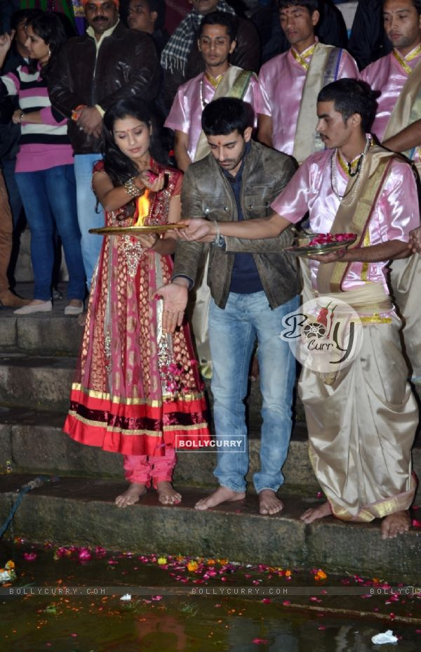 Gautam Rode and Payal Rajput perform a pooja at the Mahakumbh Launch in Varanasi