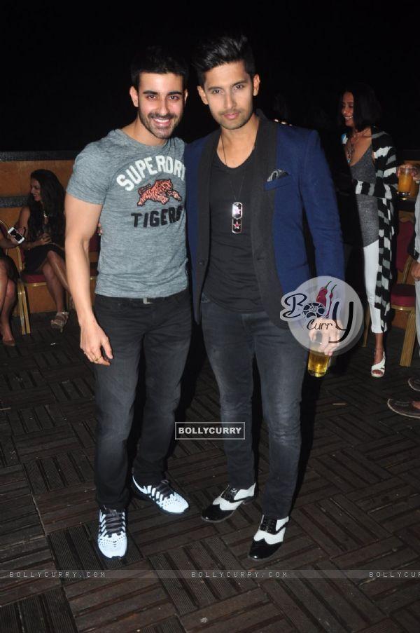Gautam Rode poses with Ravi Dubey at his Birthday Bash