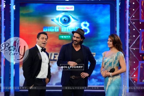Arjun Rampal and Jacqueline Fernandes promote Roy on Bigg Boss 8
