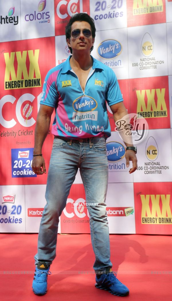 Sonu Sood was at the CCL Match Between Mumbai Heroes and Veer Maratha