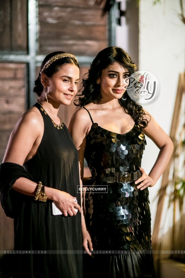 Shreya Saran poses with a guest at Hundred Hearts' Glamorous Charity Dinner