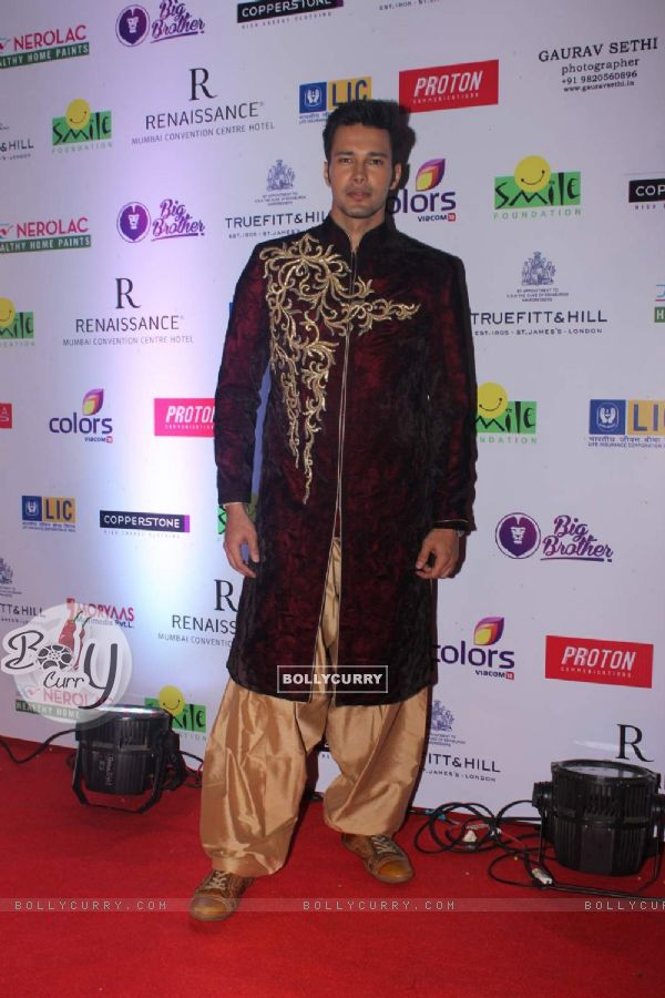 Rajneesh Duggal at the Smile Foundation's Charity Fashion Show with True Fitt and Hill Styling