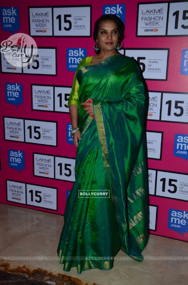 Shabana Azmi poses for the media at the Grand Finale of Lakme Fashion Week 2015