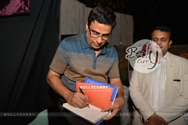 Ronnie Screwvala was snapped signing autograph at his Book Reading