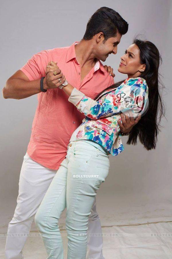 Nia Sharma & Ravi Dubey - SidNi
